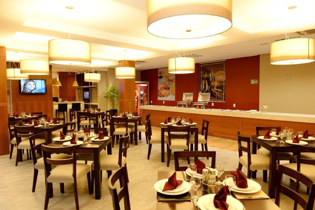 Linha Ambienta Series Cedro  / Código 9344654 / Projeto: Hotel Imigrantes / Arquiteta: Camila Preisssler / Fotógrafo: Plinio dos Santos