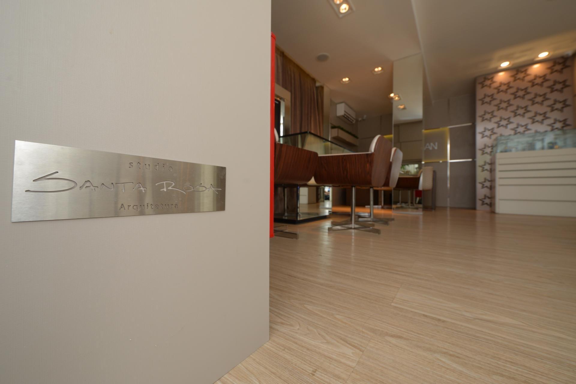 Linha Ambienta Series Gergelim / Código 9343607 / Projeto: Loja de Jóias Luanda Gan / Arquiteto: Studio Santa Rosa