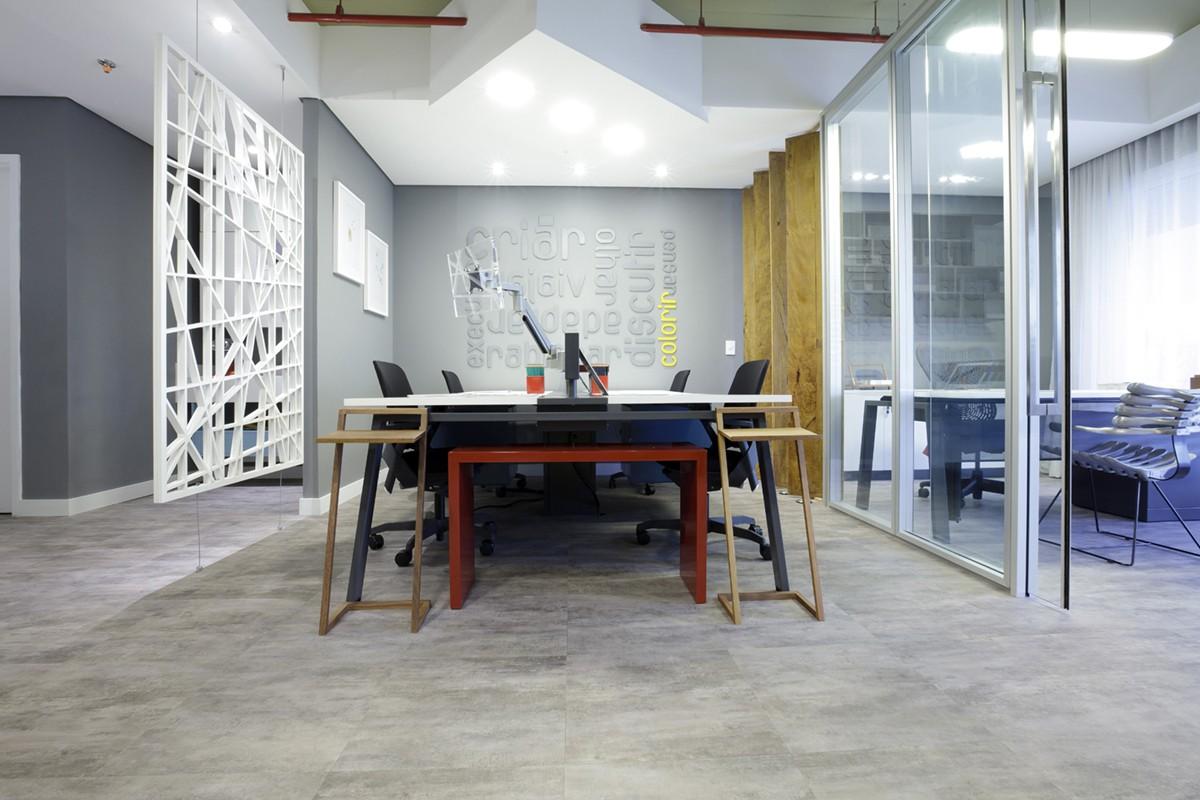 Línea Ambienta Studio Stone Titanium / Código 24034681 / Proyecto: Mostra Kaza - Oficina Lindenberg / Arquitecto: Trad Cestari / Fotógrafo: José Henrique Vieira