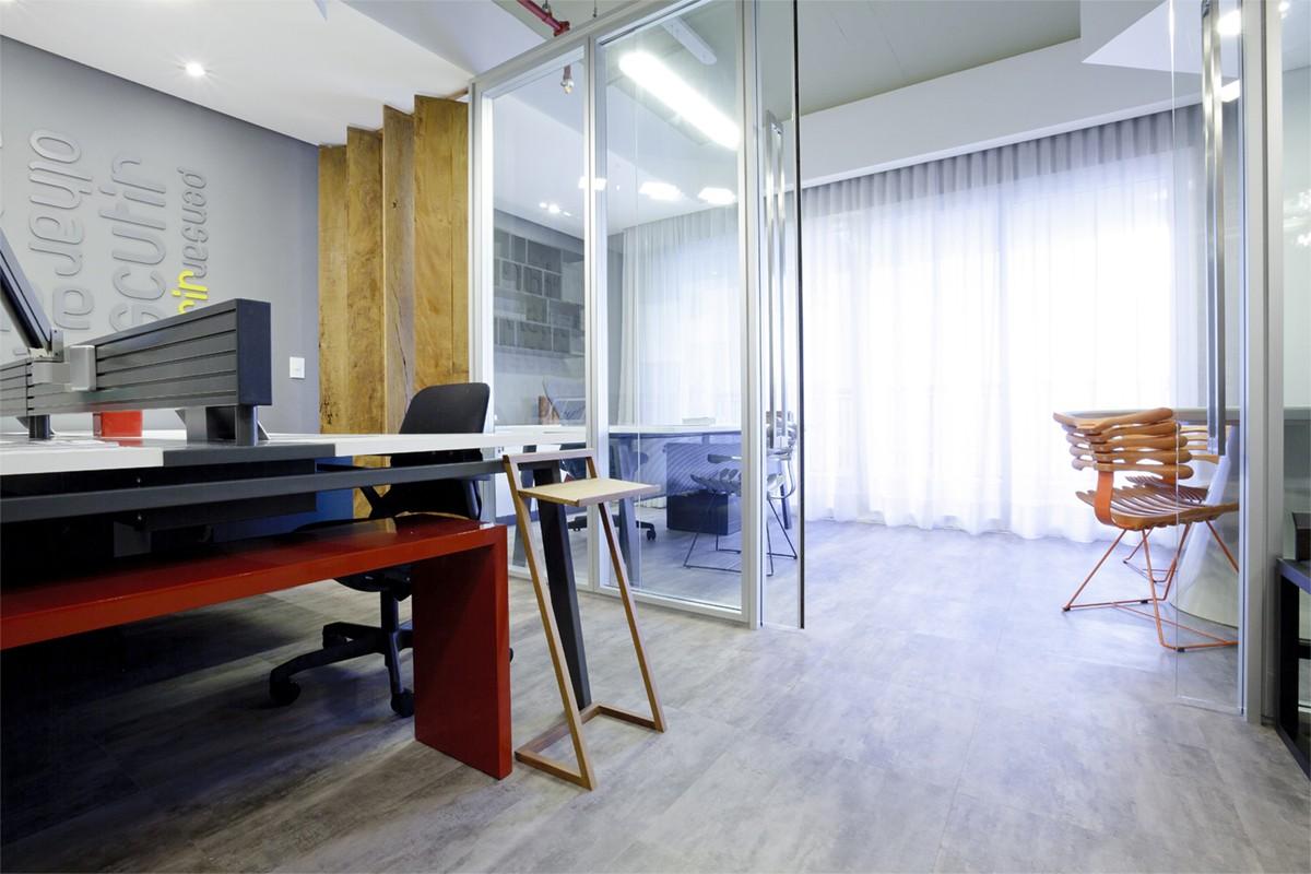 Linha Ambienta Stone Titanium / Código 24034681/ Projeto: Mostra Kaza - Office Lindenberg / Arquiteto: Trad Cestari / Fotógrafo: José Henrique Vieira