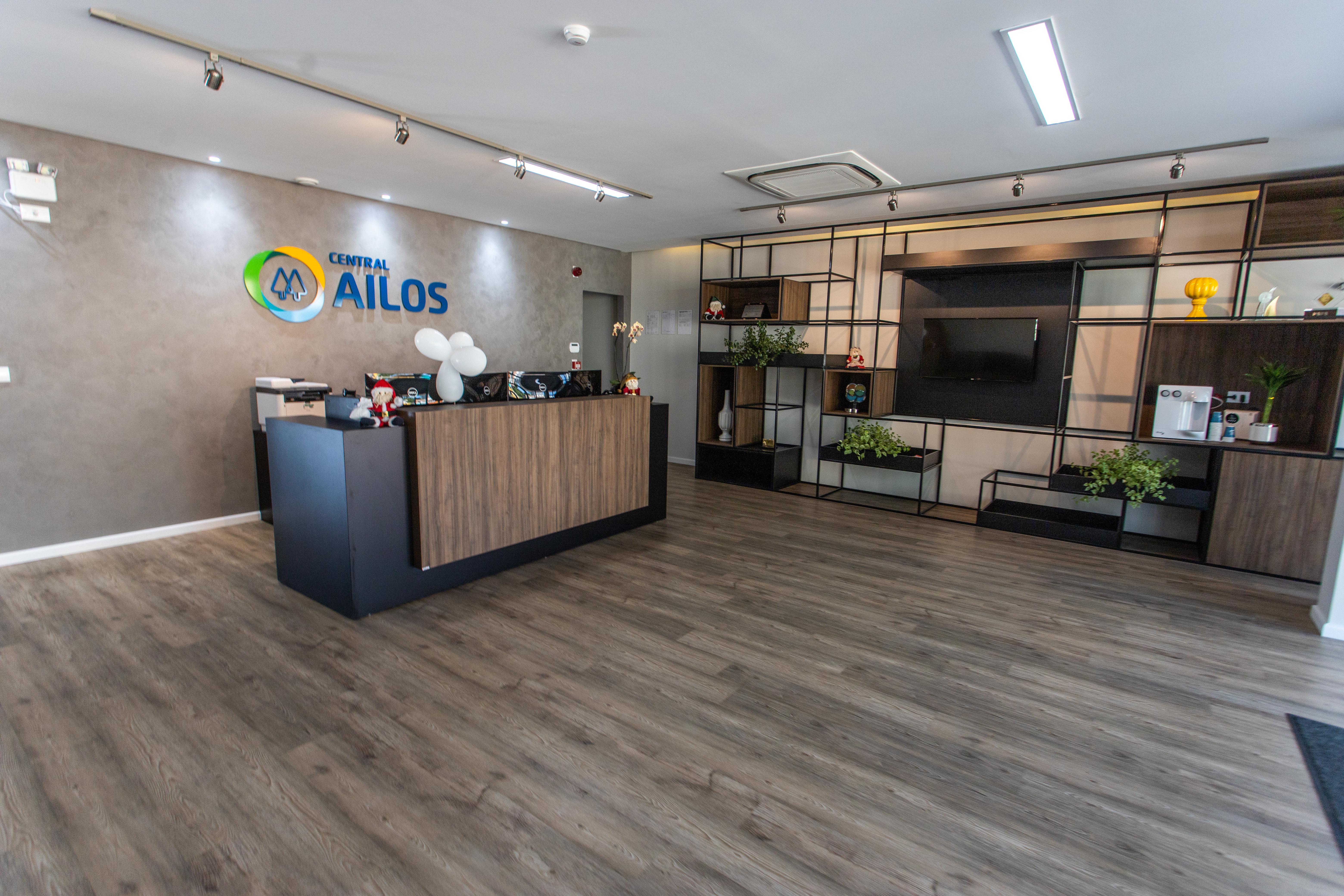 Linhas Square e Desso/ Cores: 24025673 e 711452002/ Projeto: Central Ailos